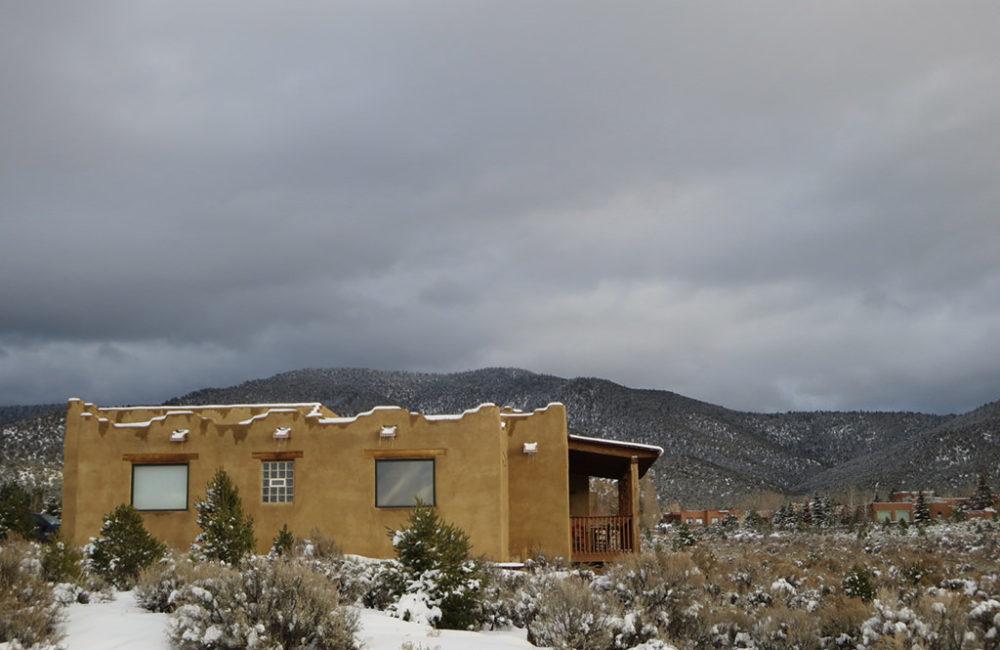 1200 Salida del Sol, Taos, NM 87571