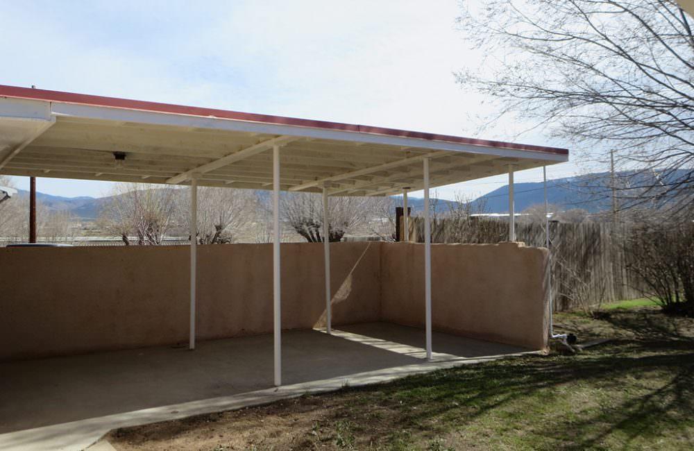 908 Camino del Medio, Taos, NM 87571
