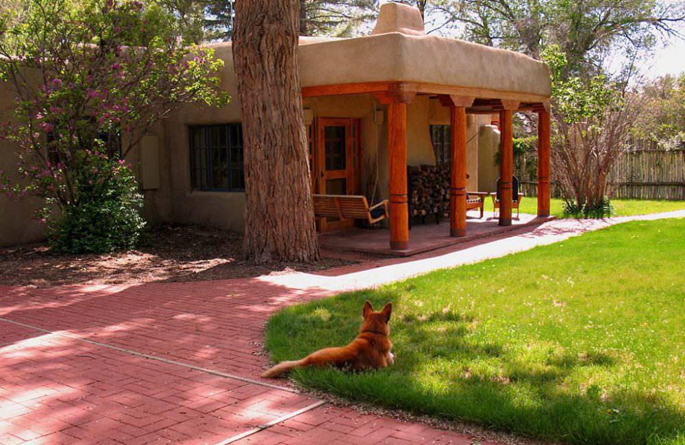 413 Camino de la Placita, Taos, NM 87571