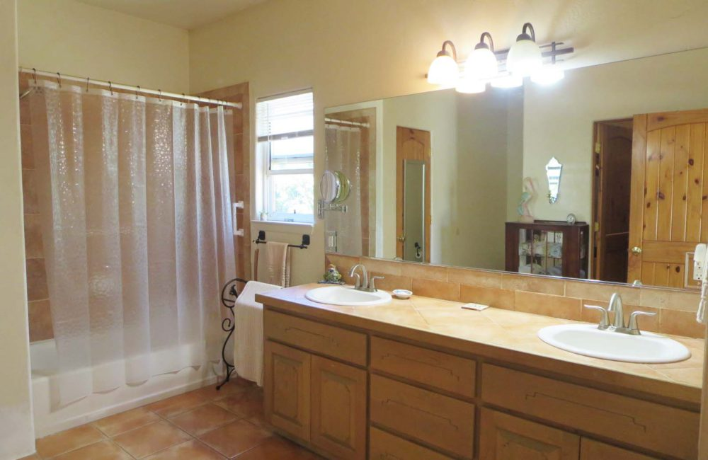 314 South Trapper Road, Taos NM 87571
