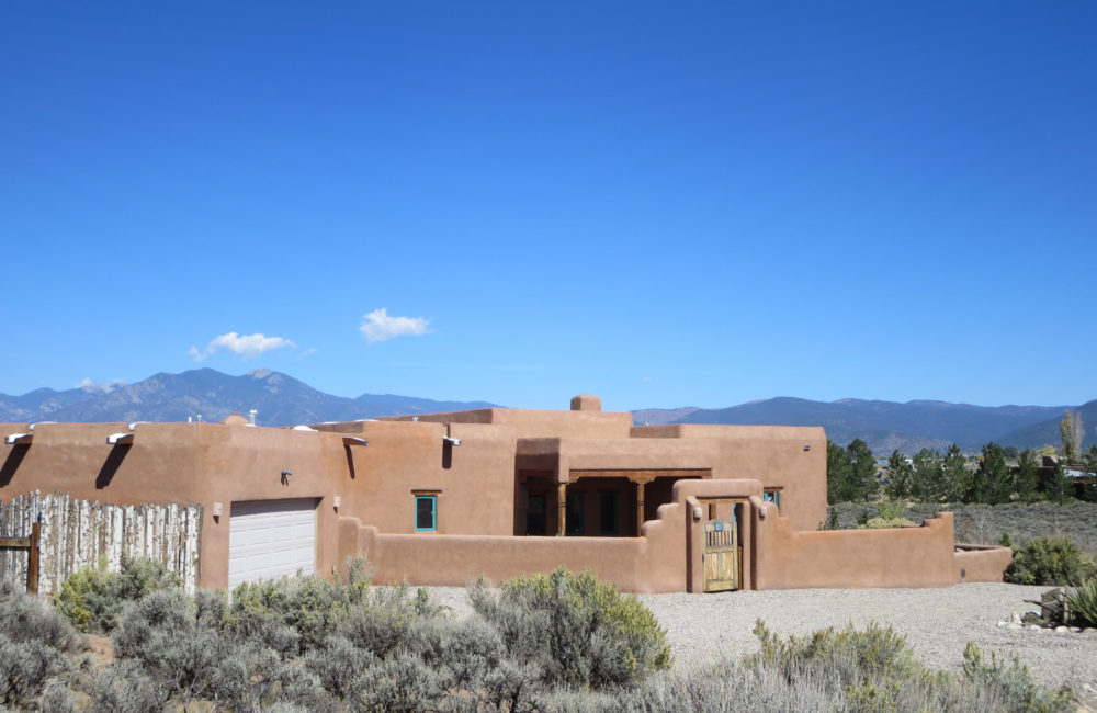 40 Vista Linda Road, Taos NM 87571
