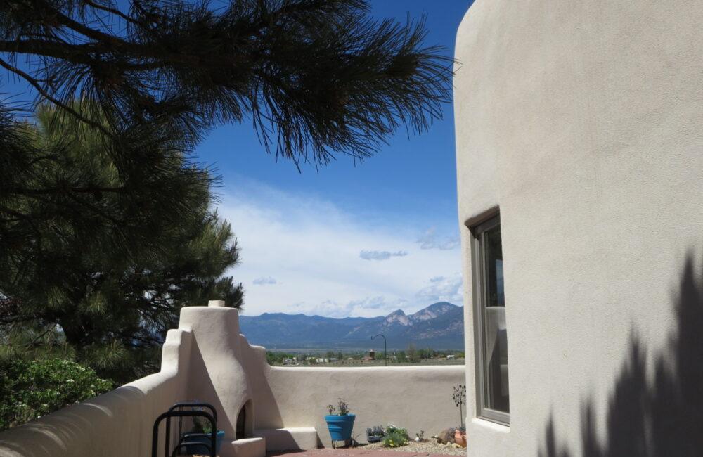 313 Morgan Road, Taos NM 87571